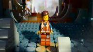 Lego Filmi 'Emmet'la Tanışın' Özel Video