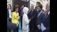 4- Başbakan Erdoğan, Paris'te Genç Çiftin 'nişan Yüzüğü' Ricasını Kırmadı