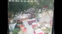 Beykoz'da ağacın devrilme anı kamerada