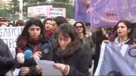 (görüntülü Haber) Eylemci Kadının Kafasına Kalas Düştü