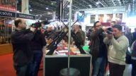 Aslan Vuran Tüfeğe 33 Bin Lira Fiyat Biçildi - Budapeşte Avcılık Ve Silah Fuarı'na Yoğun İlgi