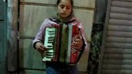 İstiklal Caddesi - Akordioncu Kız - TAKSİM