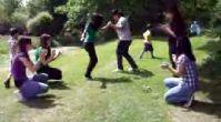 piknikte kızlardan güzel kolbastı