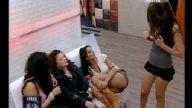 Big Brother Fransa Kız Göğüsünü Gösteriyor Yabancı