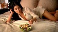 Kim Kardashian Tavuklu Salata Yerse