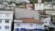 Tirebolu Ayana'da Eski bir bina Bir anda Yandı !!!