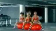Kırmızı Balonlu Kızlar