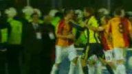 Galatsaray-Fenerbahçe Maçında Çıkan Kavga