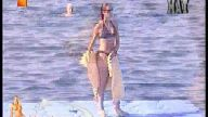 Doğa Rutkay Bikinili Yakalandı