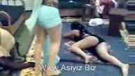 Arap kızlar kalça sallıyor