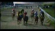 bayanlar at yarışında kötü kaza