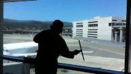 Cam temizliğini sanata dönüştüren adam