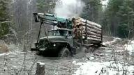Ağır şartlar altında çalışan kamyon şoförleri