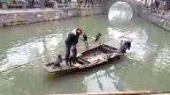 Böyle balık yakalama tekniği görülmedi