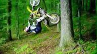 Motor ile ağaçtan müthiş ters takla