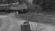 sarhos rus trenın altında kaldı