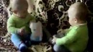 Bebeklerin Islak Mendil Kavgası