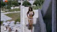 müjde ar bikinili