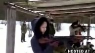 kızı silah tepti :))