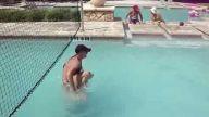 güzel kadının havuz kazası