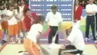 Japonlarda Taş Kağıt Makas oyunu