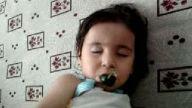 uyuyan kız çocuğu