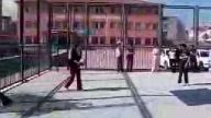 ayşe ahmet inci,8-b voleybol oynuyor,Ali YILDIZ