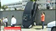 Bayan Sürücü Aracını Park Etmeye Kalkınca!!