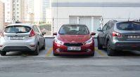 Araba dik olarak nasıl park edilir?