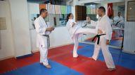 Karatede ayakla vuruş teknikleri nelerdir?