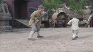 Jackie Chan Shaolin Kung Fu Tekniklerini Küçük Ustadan Öğreniyor