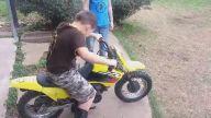 Küçük Çocuğun Motosiklet'le İmtihanı