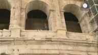 İntihar Etmek İçin Roma'daki Kolezyuma Çıktı