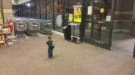 Hayatında İlk Kez Otomatik Kapı Gören Çocuk