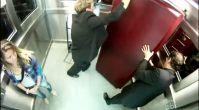 Korkudan Öldüren Şaka Tabutlu Asansör Şakası video izle Komedi Mynet Video