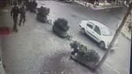 Sarıyer'deki trafik kazası güvenlik kamerasına yansıdı