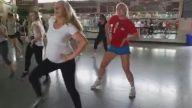 Hamile Kadından Harika Dans