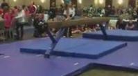 Kanseri Yenen Ufak Jimnastikçi