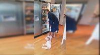 Babanın Buzdolabına Girmeye Çalışan İkizlerle İmtihanı