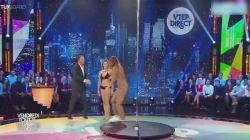 Striptizciye canlı yayında kafa tutunca...