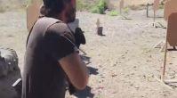 Keanu Reeves Gerçek Hayatta da Çok İyi Silah Kullanıyor