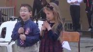 23 Nisan Töreni'nde Şiir Okurken Gülme Krizine Giren Çocuk