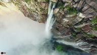 Nefes Kesen Görüntüsüyle Dünyanın En Uzun Şelalesi