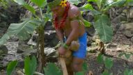 Olur da Survivor'a Katılırsanız Hindistan Cevizi Kırmanız İçin Harika Bir Yöntem