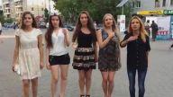 Rus Güzellerinden Kulakların Pasını Silen Şarkı