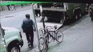 20 Saniyede 1,6 Milyon Dolarlık Altın Çalan Hırsız