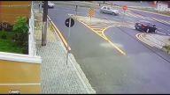 Motorcunun Otomobili Devirdiği İlginç Kaza