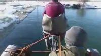 Elazığ'da Deniz Bisikleti Yapan Masum Köylüler
