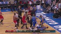 Chicago Bulls - Toronto Raptors maçında şok kavga!