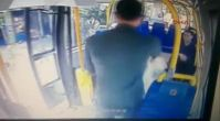 Şortlu kıza minibüsteki saldırı anı kamerada